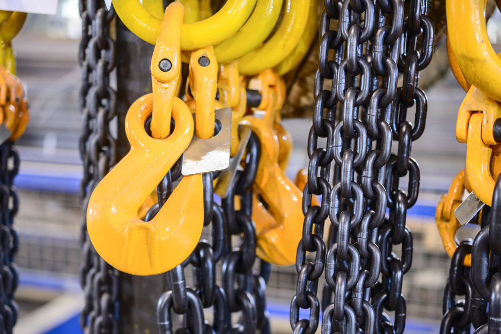 Chain slings and industrial lifting